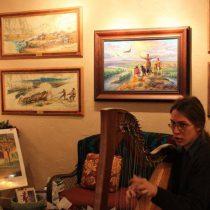 Brian_harpist